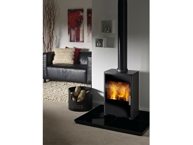 the-triton-450-wood-burning-stove-in-black
