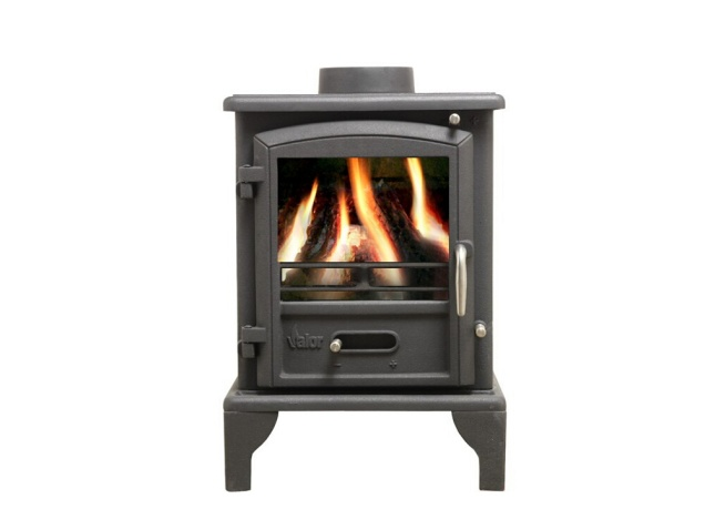 the-brunswick-multifuel-stove-in-black-by-valor