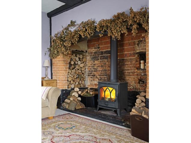 scene-s25-wood-burning-stove-in-black