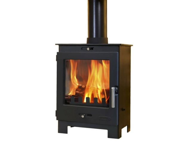 the-arundel-multifuel-stove-in-black-by-flavel